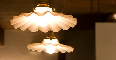 ガラス細工の照明器具